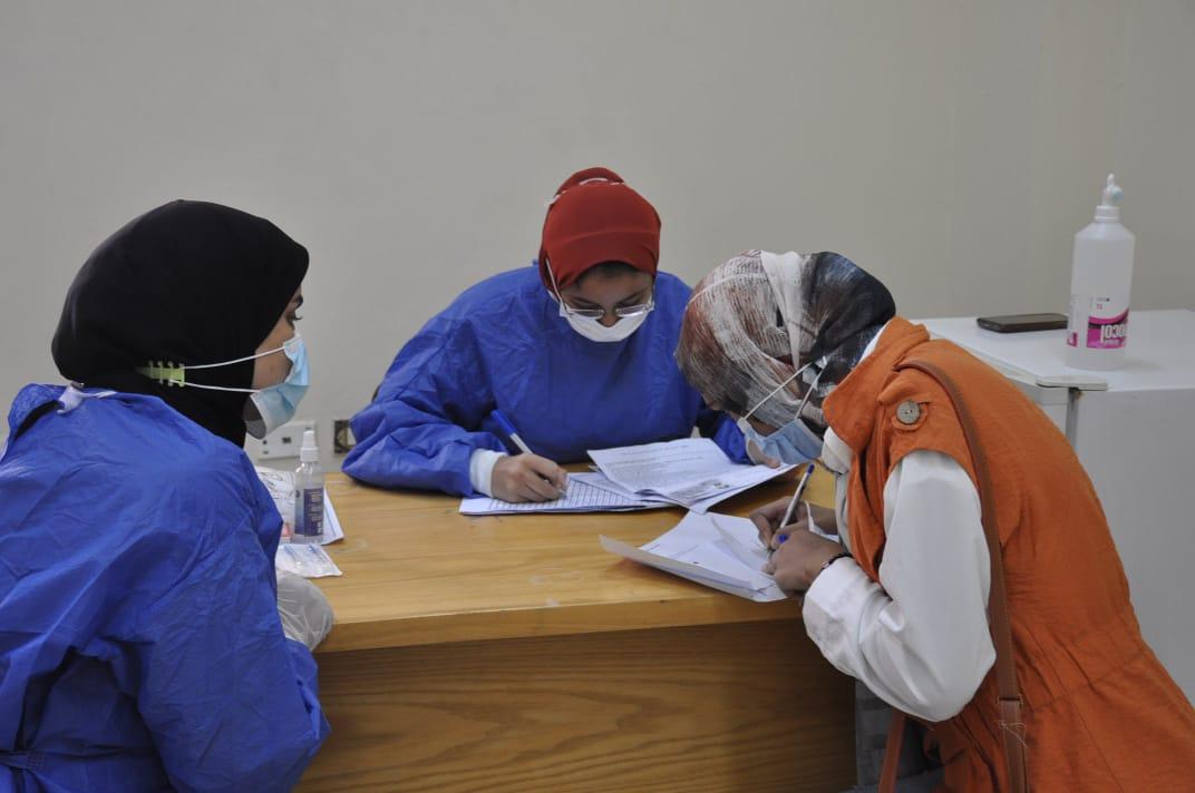 جامعة كفر الشيخ تواصل استقبال طلابها للتطعيم ضد فيروس كورونا