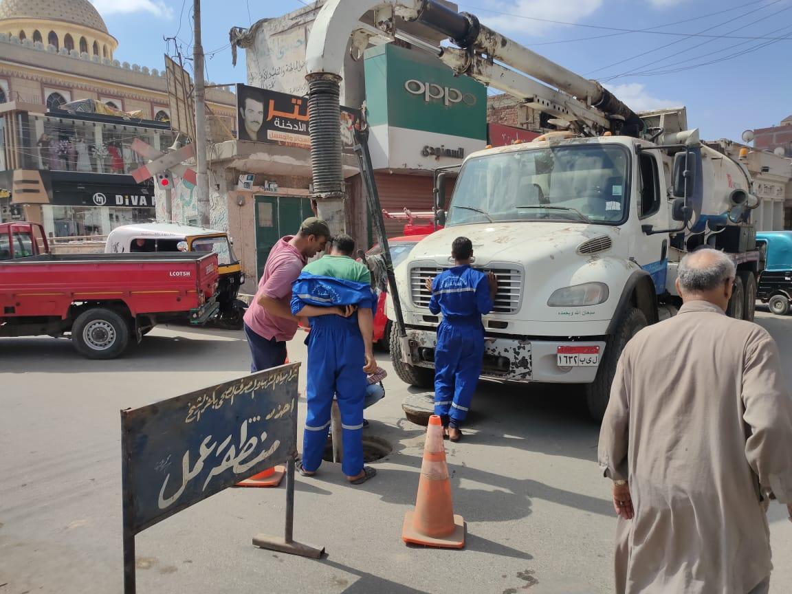 حملات لتطهير بالوعات الصرف الصحي في بيلا بكفر الشيخ