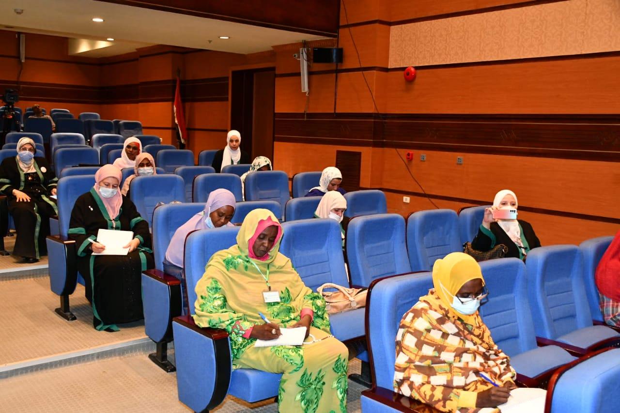 فعاليات اليوم الثالث للدورة التدريبية الثانية المشتركة لأئمة وواعظات مصر والسودان