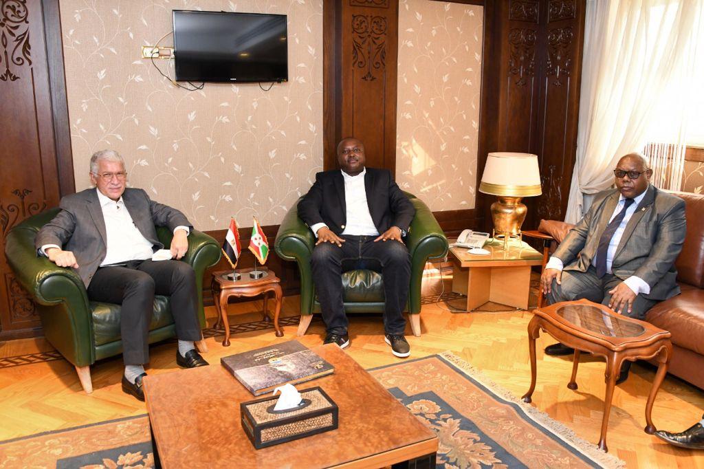 وزير خارجية بوروندى يدعو  المقاولون العرب  للعمل في بلاده  صور
