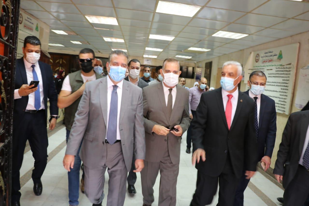رئيس جامعة المنوفية ومحافظا المنوفية وكفر الشيخ في زيارة لمصابي فريق كرة السرعة | صور