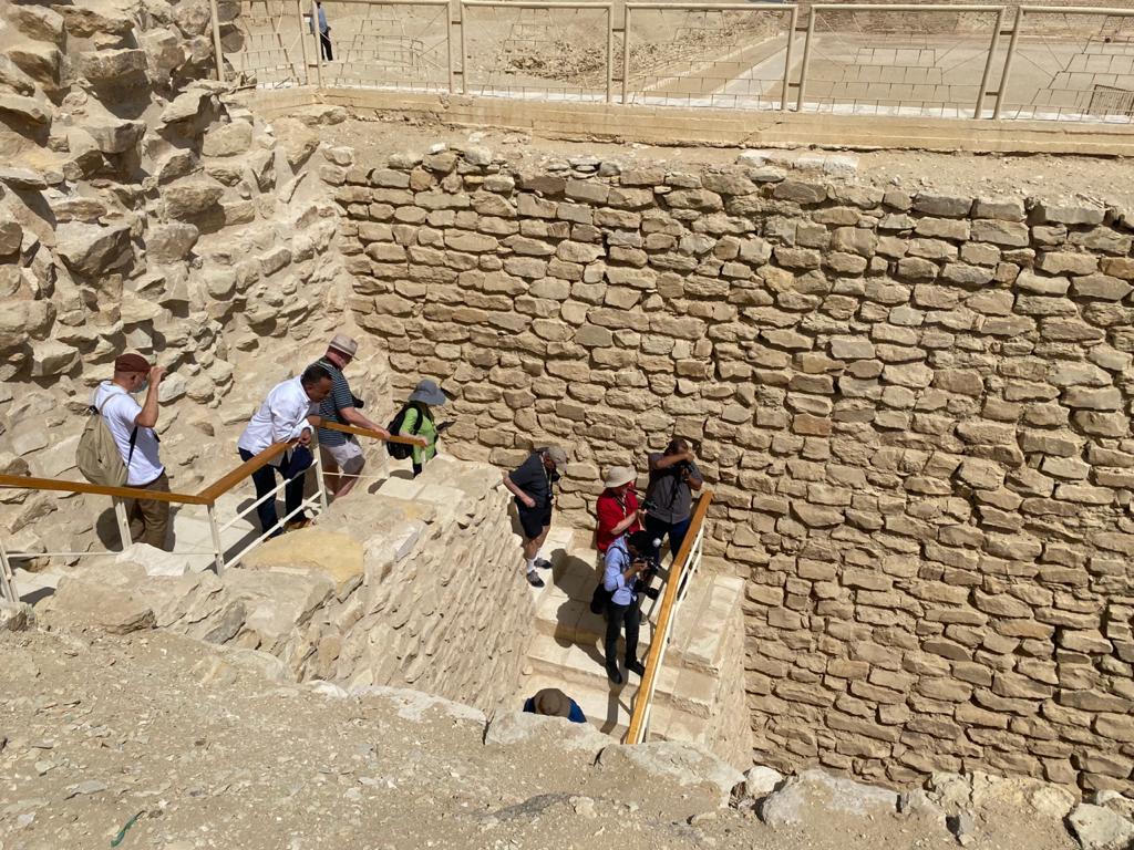 السياحة والآثار تطلق فيديو جديدًا عن مشروع ترميم المقبرة الجنوبية ;للملك زوسر; بسقارة  فيديو