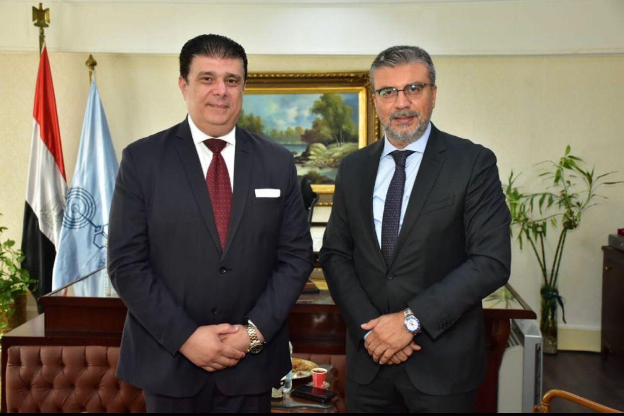 بروتوكول تعاون بين  الوطنية للإعلام  واتحاد الإذاعات الإسلامية لإنتاج وتبادل برامج تليفزيونية