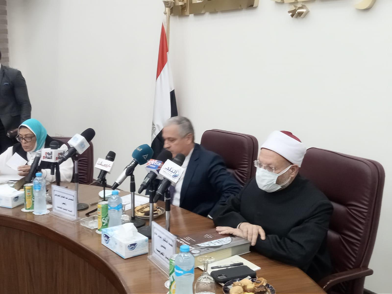 المفتي يشيد بتماسك المصريين  ويؤكد مصر عصية على كل من يريد هدم الأمن المجتمعي