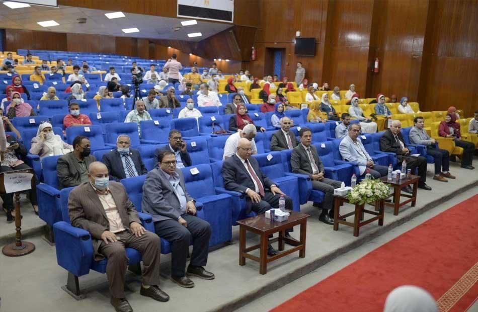 تستهدف تدريب  طالبًا جامعة بنها تطلق المرحلة الثالثة من المبادرة الرئاسية  صنايعية مصر