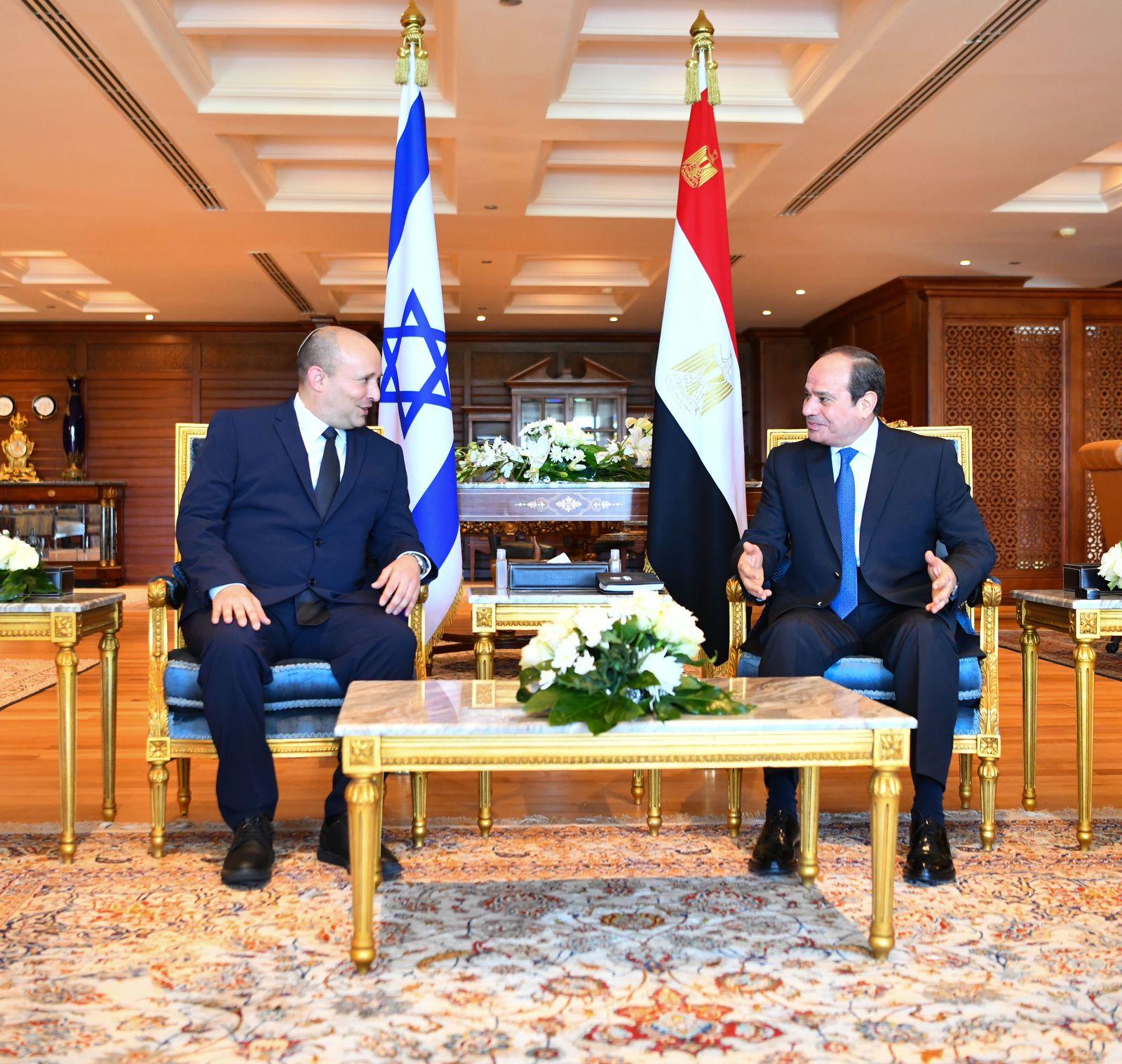 جانب من إجتماع الرئيس السيسى مع رئيس الوزراء الإسرائيلي نفتالى بينيت
