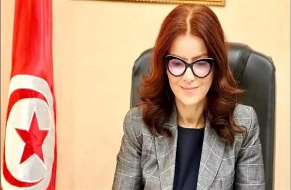 الرئيس التونسي يعفي وزيرة الشباب والرياضة من منصبها