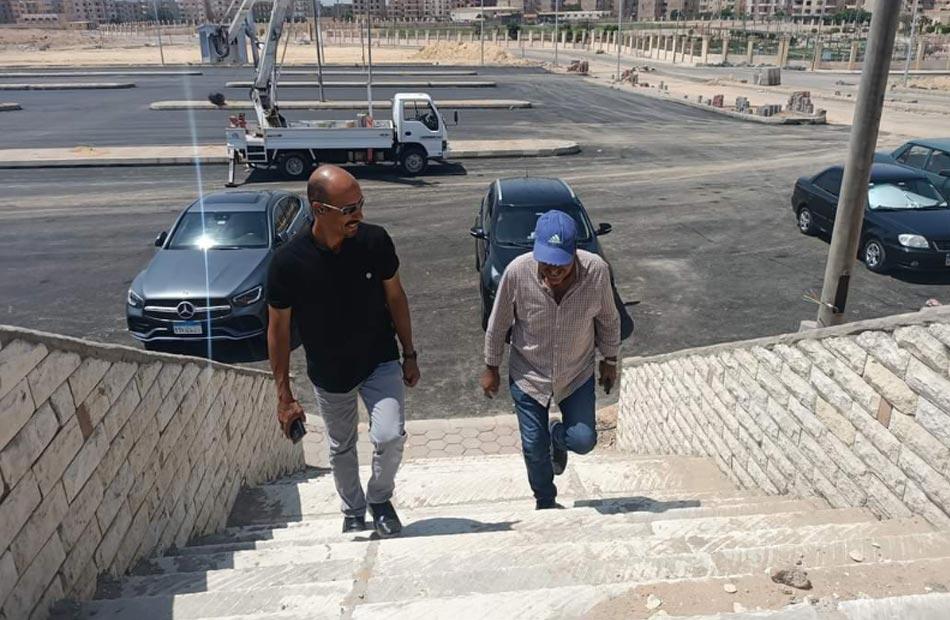 رئيس جهاز  العبور   يتفقد سير العمل بالمشروعات الترفيهية والخدمية بالمدينة  صور