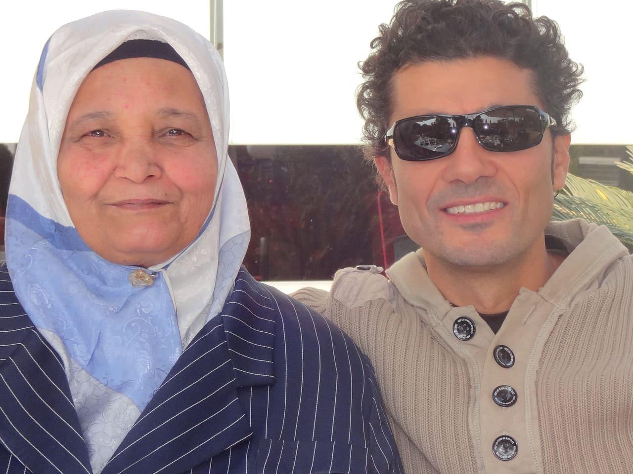 خالد النبوي يحيي ذكرى وفاة والدته بصورة وكلمات مؤثرة