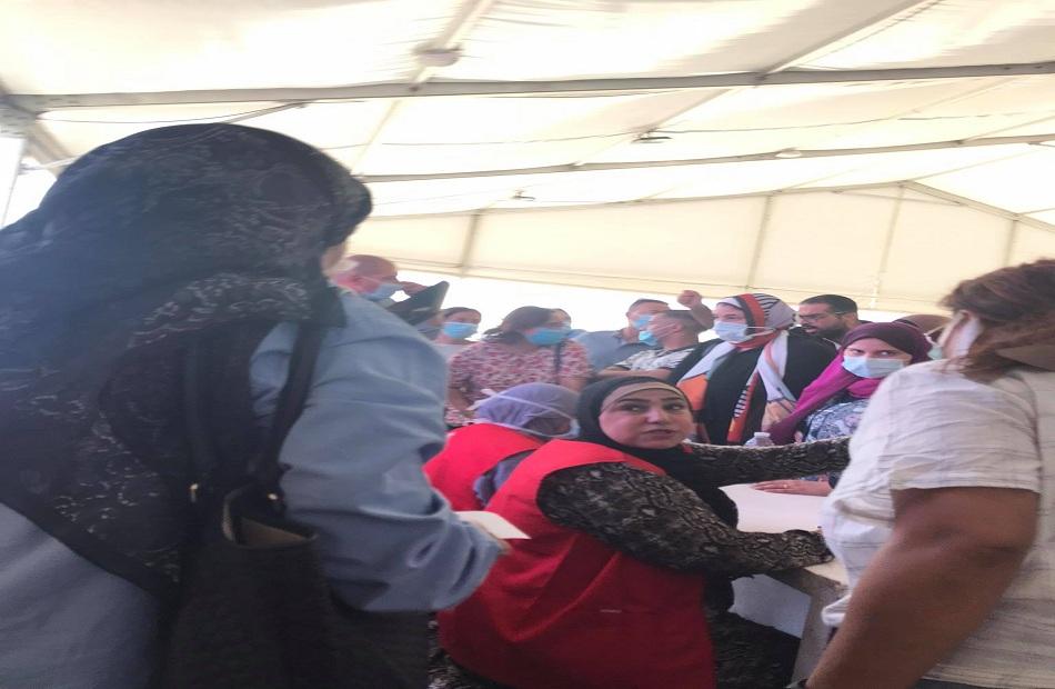 السيستم واقع  وعربات الجولف تحولت لخردة  بوابة الأهرام  ترصد مشاهد من  تطعيمات أرض المعارض  صور
