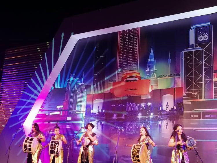 طبلة الست  تفتتح فعاليات مهرجان إيزيس لمسرح المرأة وسط تفاعل جماهيري كبير