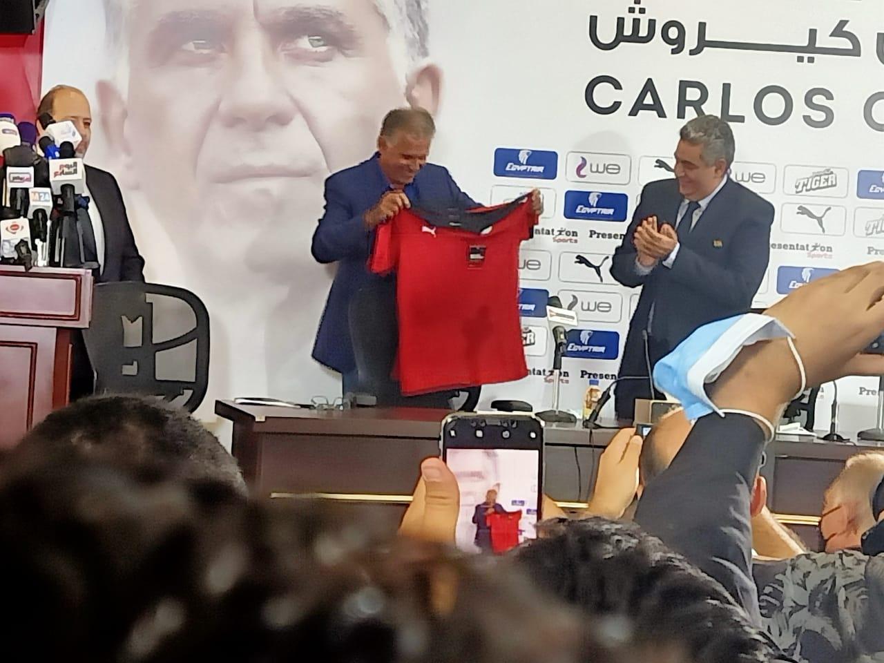 كيروش يطلب انطلاق معسكر الفراعنة  سبتمبر استعدادا لمواجهتي ليبيا