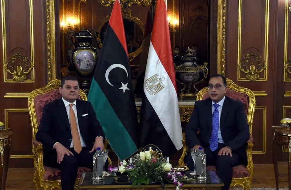 مدبولي يؤكد دعم مصر للحكومة الوطنية الليبية للوفاء بالتزاماتها وفقًا لخارطة الطريق للحل السياسي