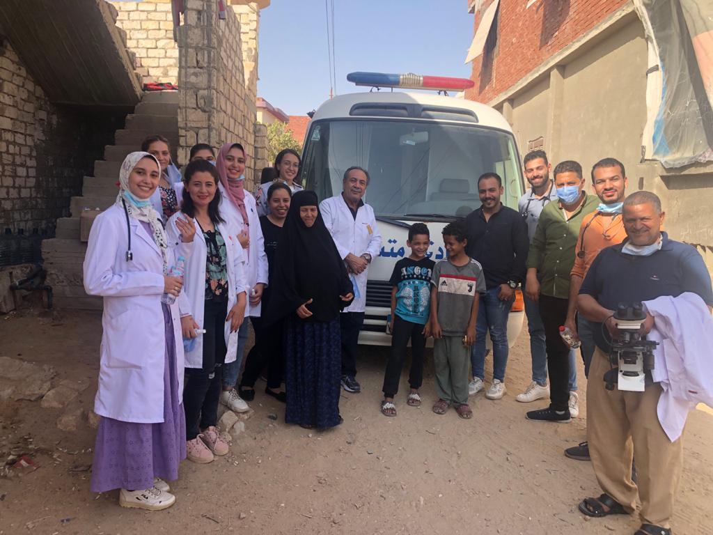 مستشفى الكنيسة الأسقفية يطلق أولى القوافل الطبية بالكيلو  بطريق إسكندرية الصحراوي | صور