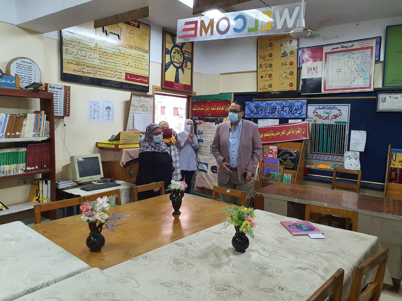 وكيل  تعليم الغربية  يتابع استعدادات مدارس شرق طنطا للعام الدراسي ويرصد عددًا من السلبيات | صور