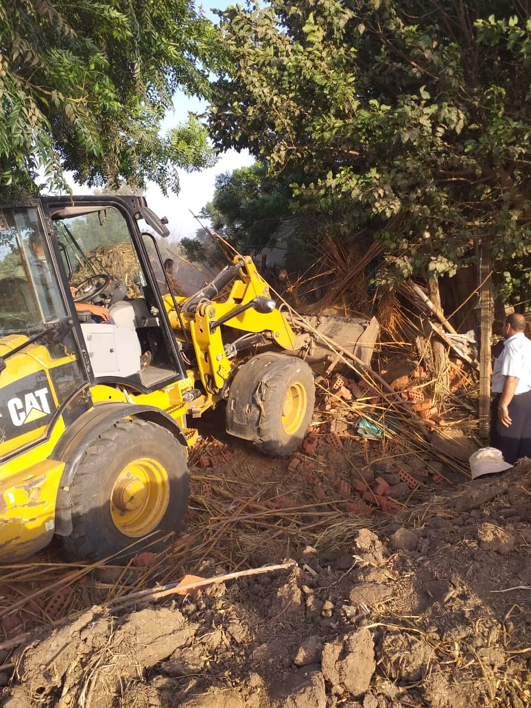 إزالة 158 حالة تعدي علي أملاك الدولة والأراضي الزراعية بالمنوفية