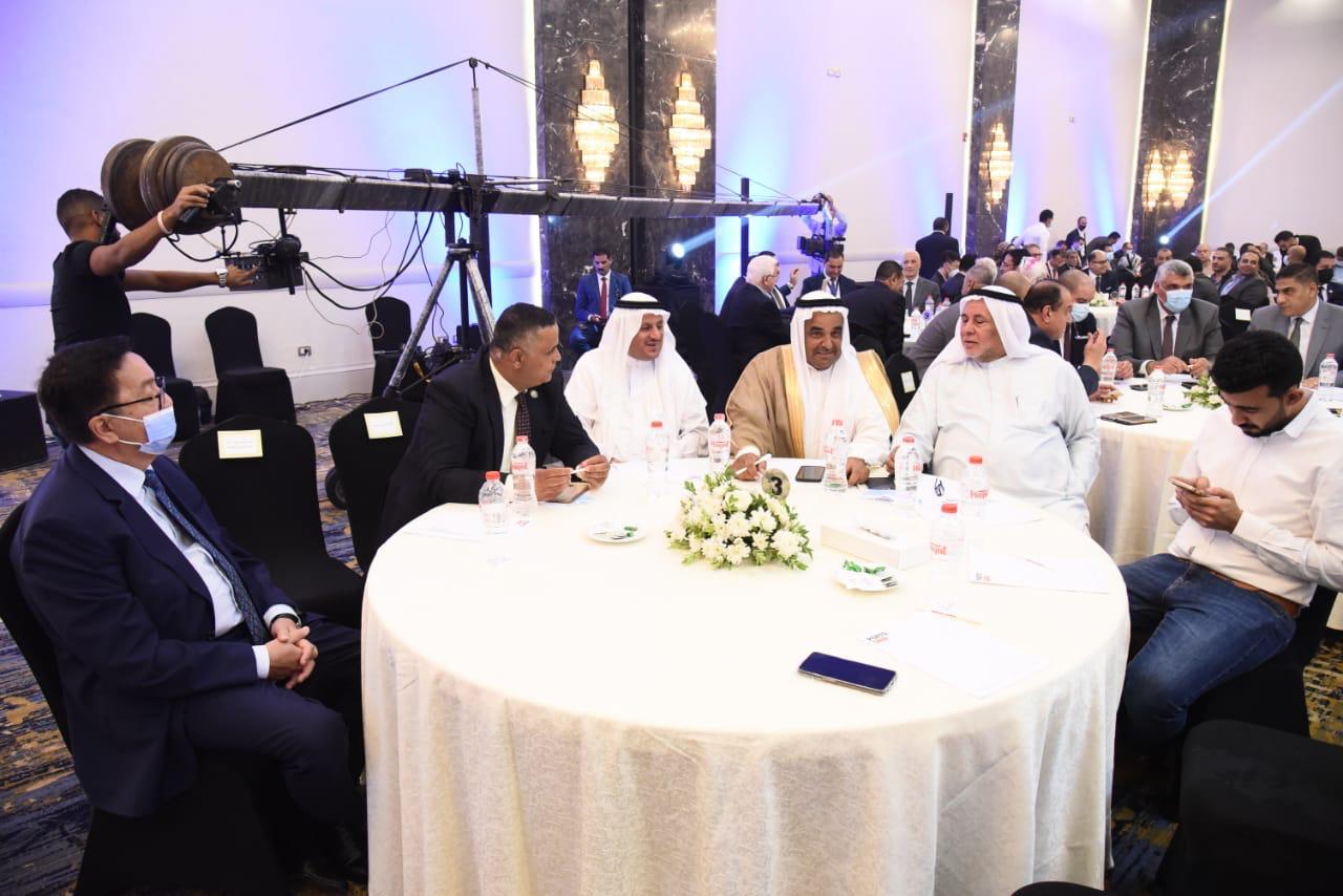وزير التنمية المحلية ومحافظ بورسعيد خلال الدورة الثالثة لمنتدى بور سعيد الاقتصادى