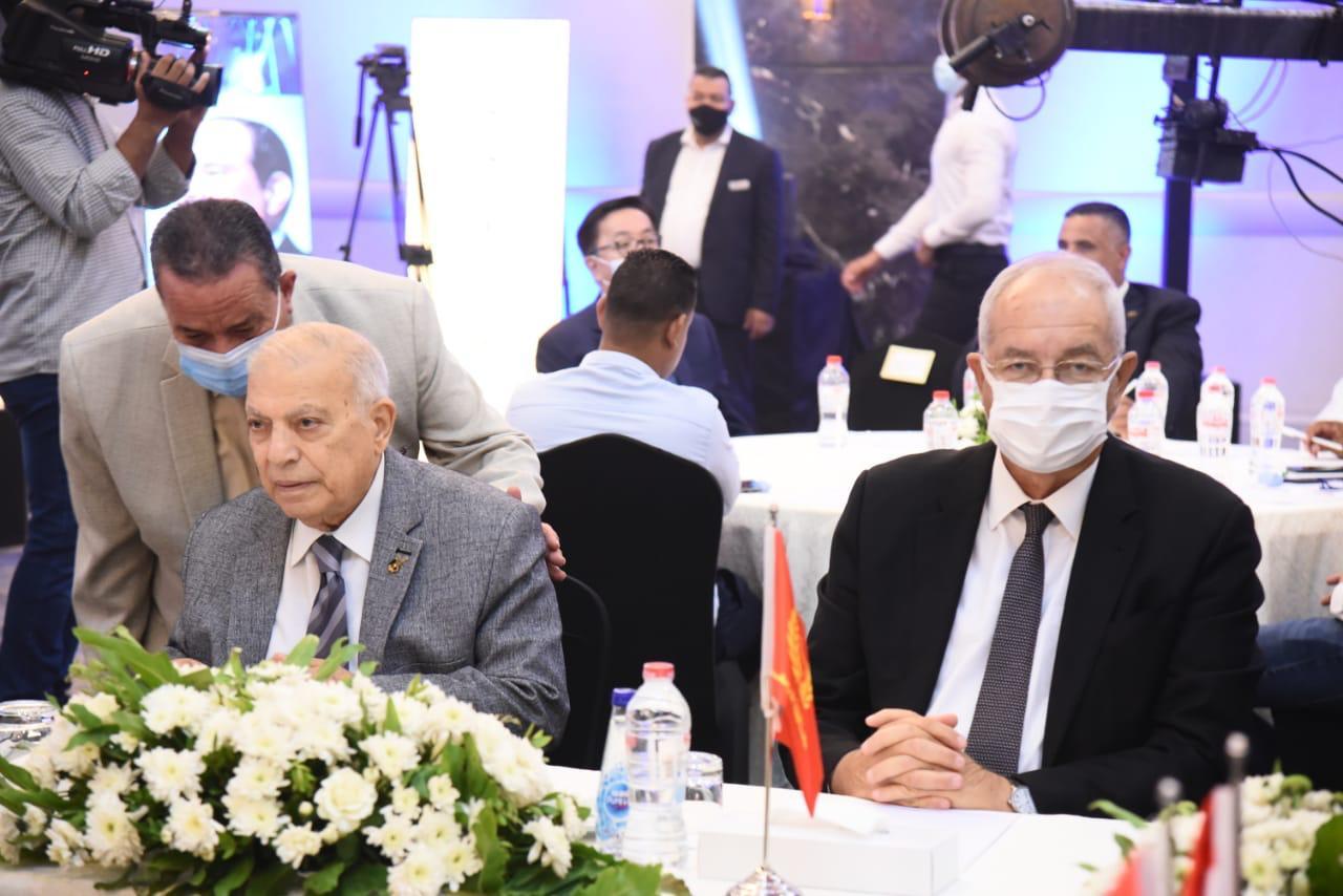 وزير التنمية المحلية ومحافظ بورسعيد يفتتحان الدورة الثالثة لمنتدى بور سعيد الاقتصادى