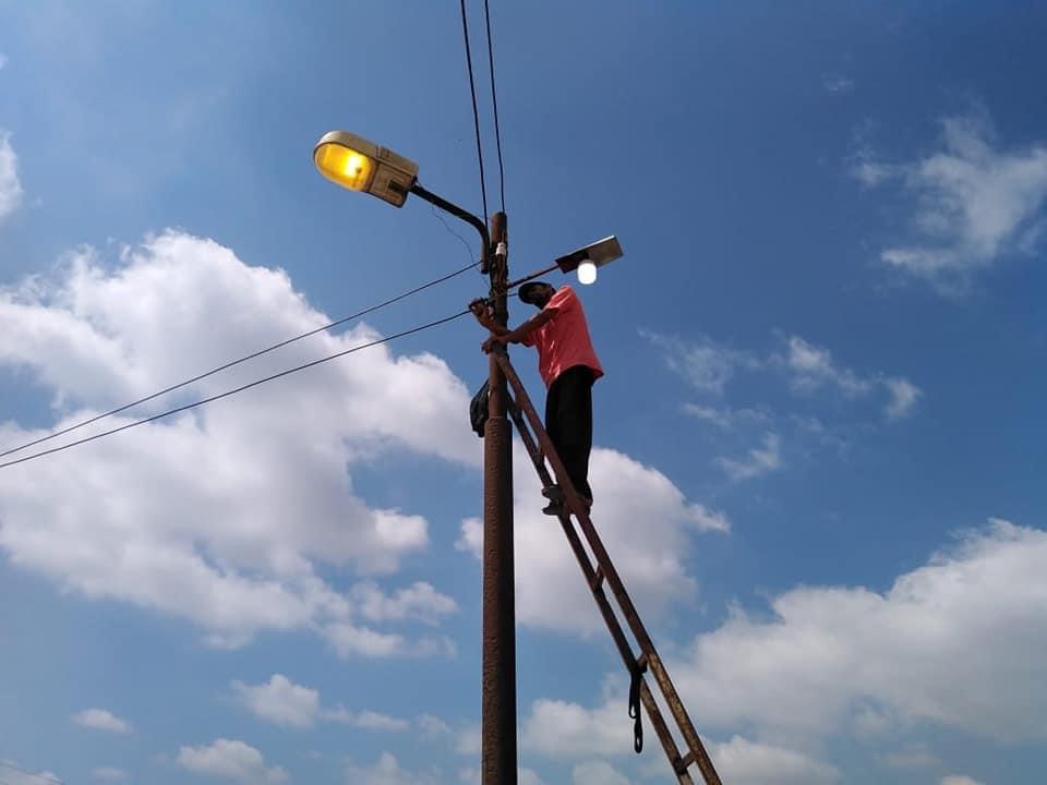 إحلال وتجديد شبكات الكهرباء فى كفر الشيخ