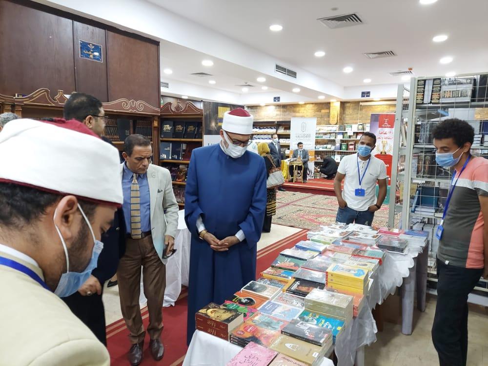 افتتاح فعاليات معرض النيابة الإدارية للكتاب في دورته الثانية