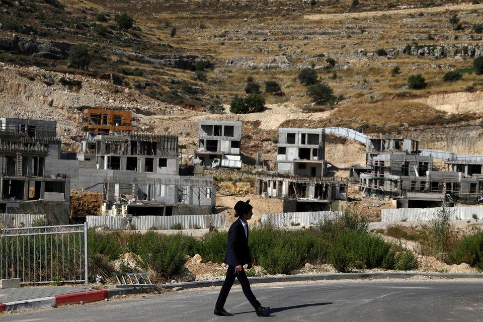 رئيس هيئة مقاومة الجدار والاستيطان دولة الاحتلال تريد تقسيم الضفة الغربية إلى ;كانتونات; لخنق الفلسطينيين