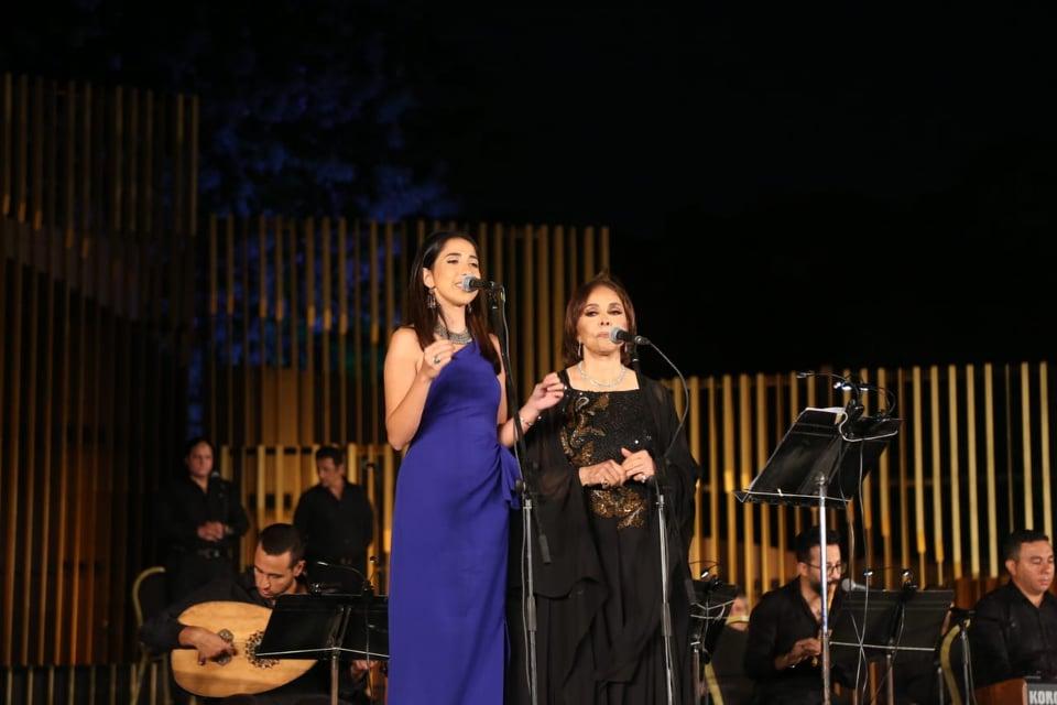 الفنانة عفاف راضي وابنتها