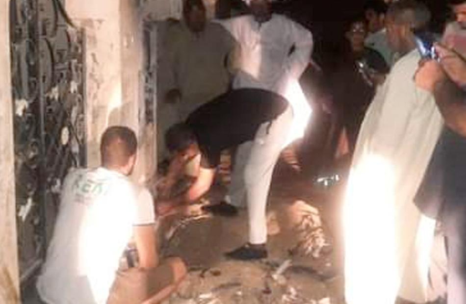 السيطرة على نيران نشبت بصندوق كهرباء بمدينة رأس غارب