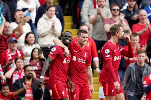 ليفربول يفوز على كريستال بالاس بثلاثية نظيفة ويتصدر الدوري الإنجليزي