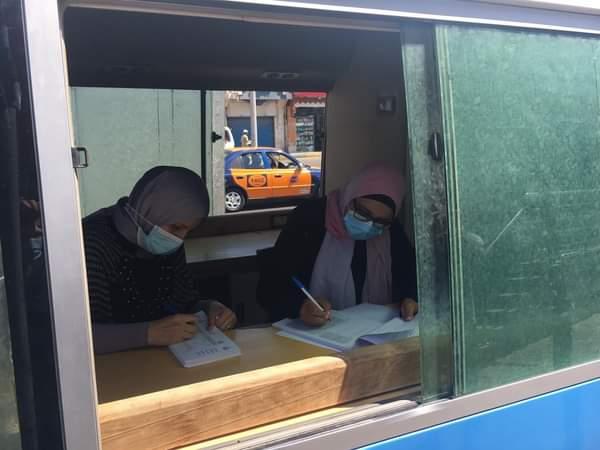 الفرق المتنقلة تواصل تطعيم المواطنين بلقاح كورونا