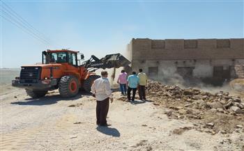 إزالة--مخالفات-تعدٍ-على-أملاك-الدولة-وحرم-آثار-بمدينة-إسنا-في-الأقصر-|-صور