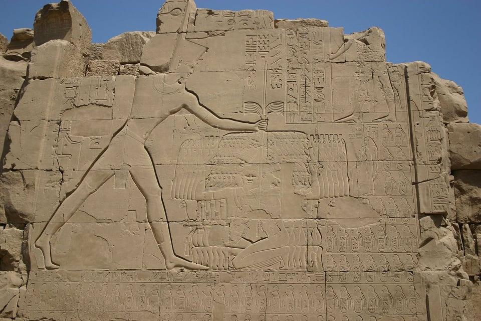 أسرار أول الأباطرة في التاريخ ;تحتمس الثالث; حياة وحروب أعظم ملوك مصر المحاربين  صور