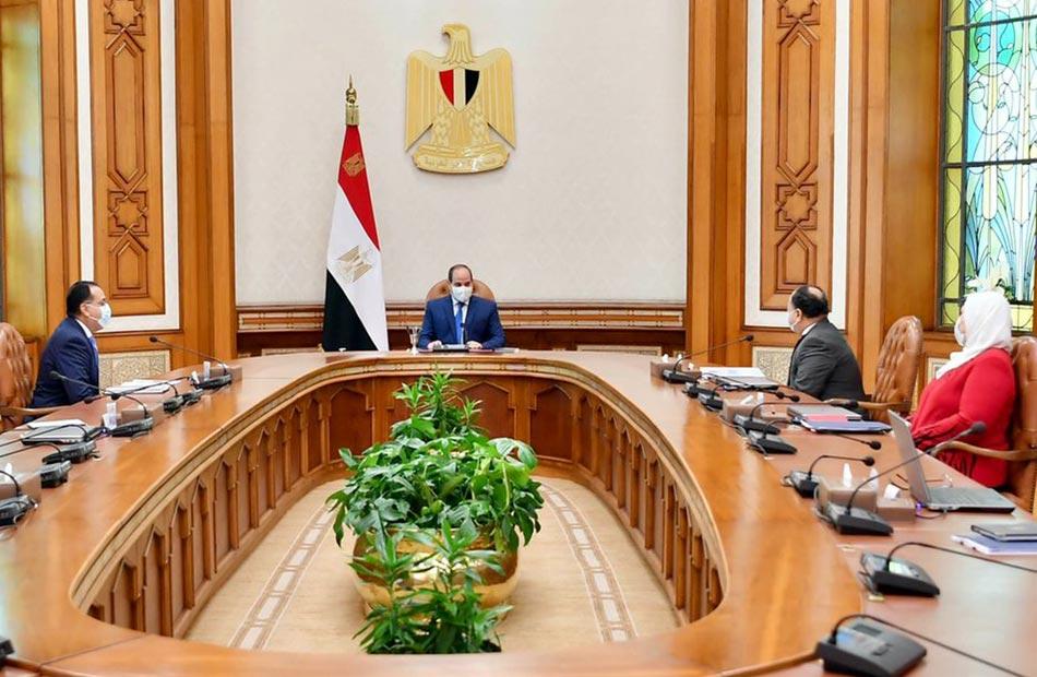 الرئيس السيسي يطلع على منظومة تحسين معاشات أعضاء النقابات الفنية والتشكيلية