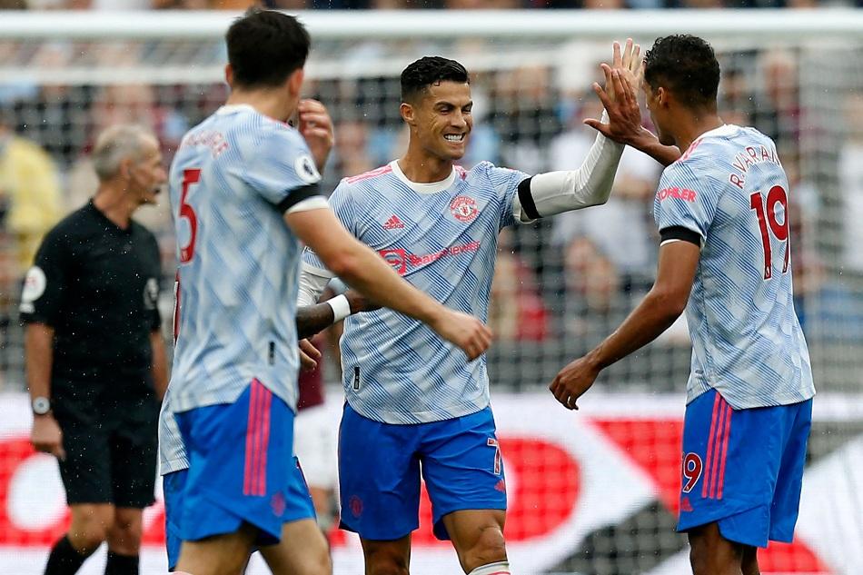 مانشستر يونايتد يفوز على وست هام بثنائية ;رونالدو ولينجارد; | صور
