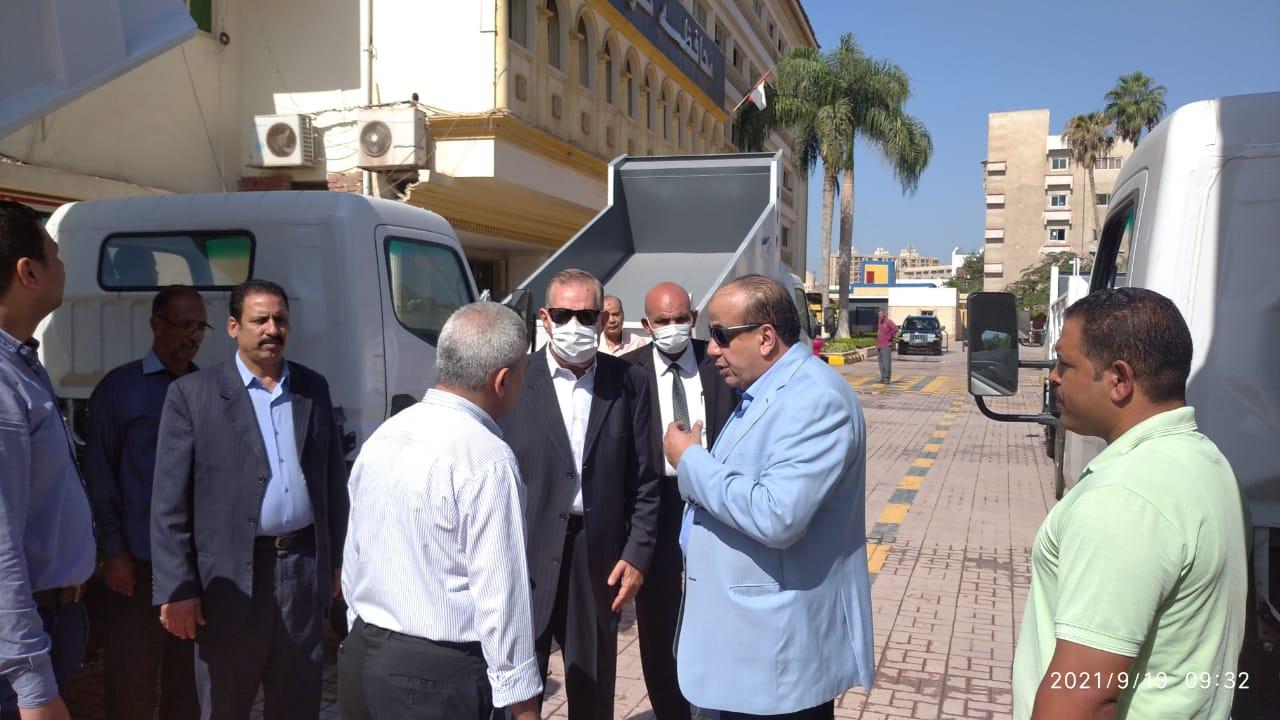 محافظ كفر الشيخ خلال جولته