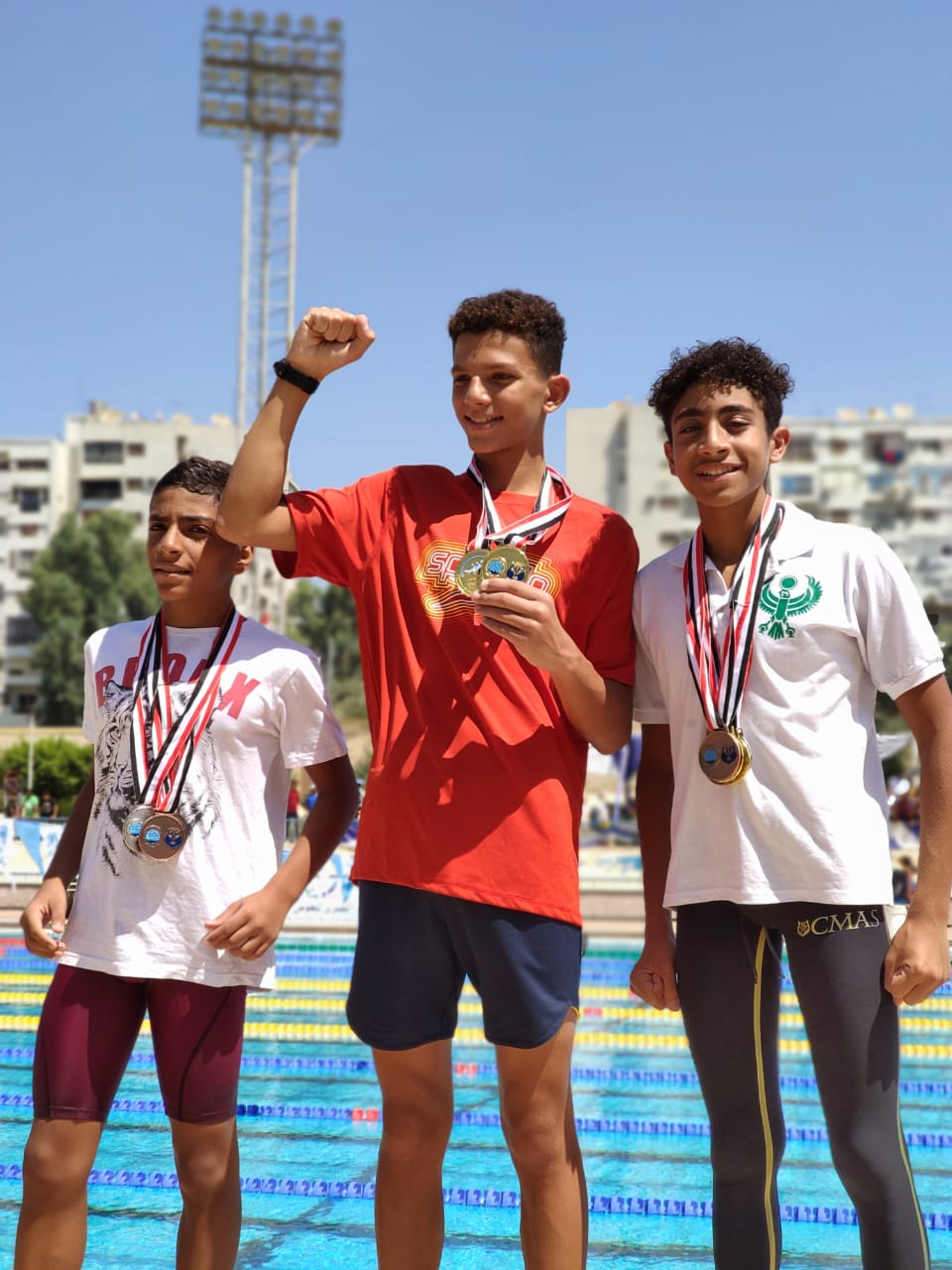 كريم أبطال السباحة للزعانف بنادي كهرباء الإسماعيلية