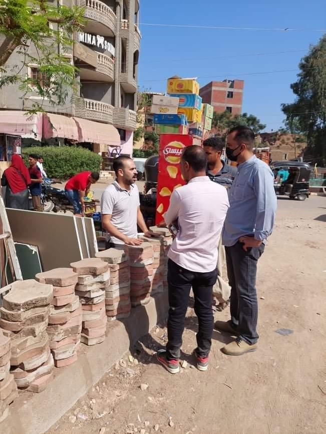 بدء تركيب بلاط الإنترلوك بشارع مصر بالباجور بالمنوفية