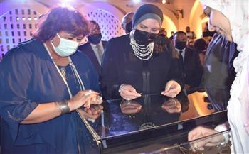 وزيرتا-الثقافة-والتجارة-تسلمان-شهادات-تخرج-الدفعة-الأولى-من-صنايعية-مصر-