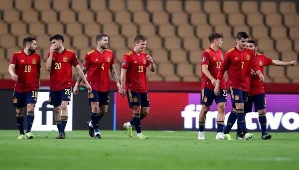 موراتا يقود هجوم إسبانيا أمام السويد في تصفيات كأس العالم