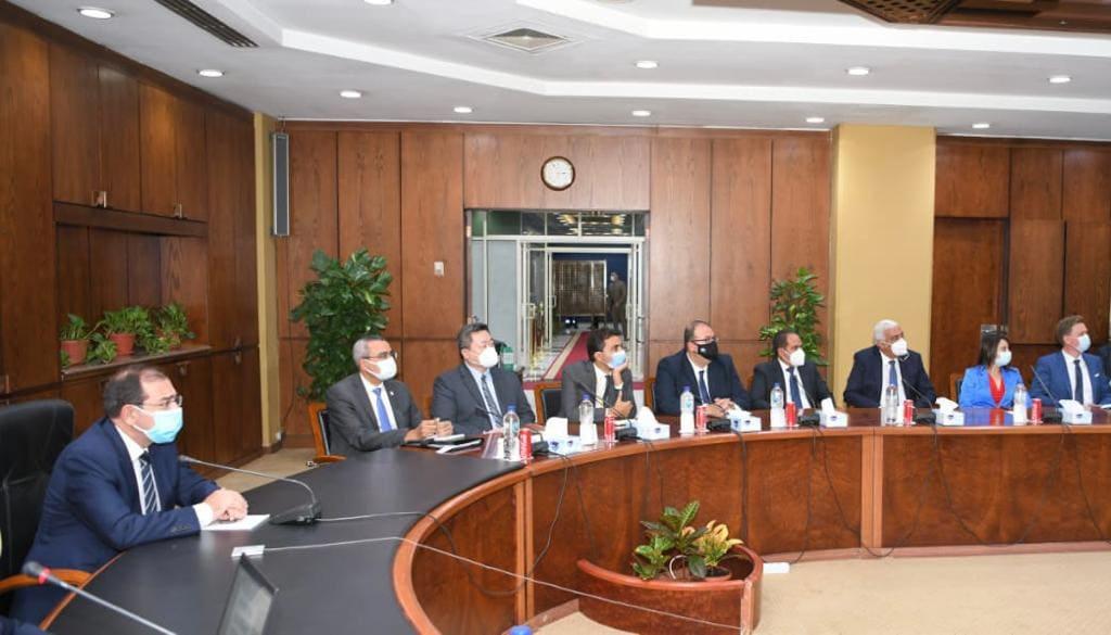 وزير البترول يترأس اجتماع اللجنة العليا لمؤتمر إيجبس