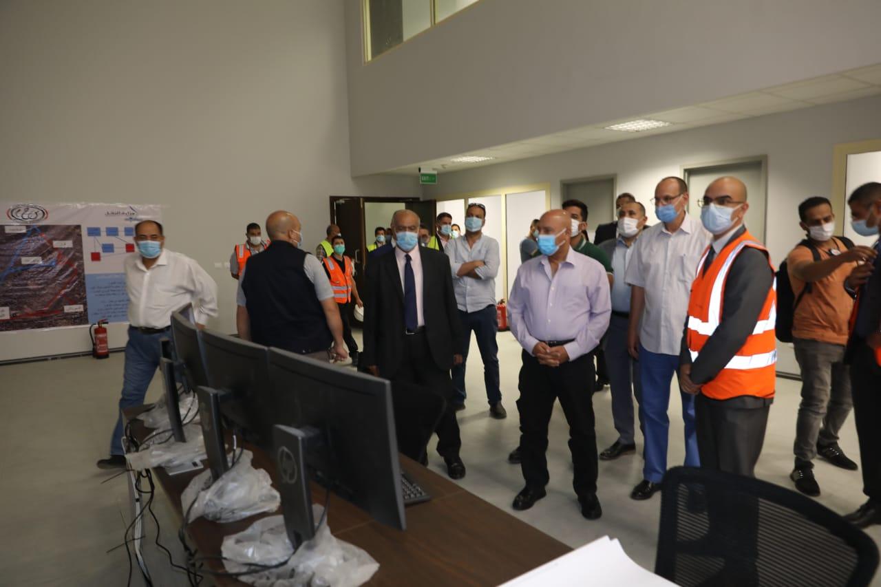 وزير النقل انتهاء الأعمال الإنشائية لبرج الإشارات المركزي على خط القاهرة الإسكندرية