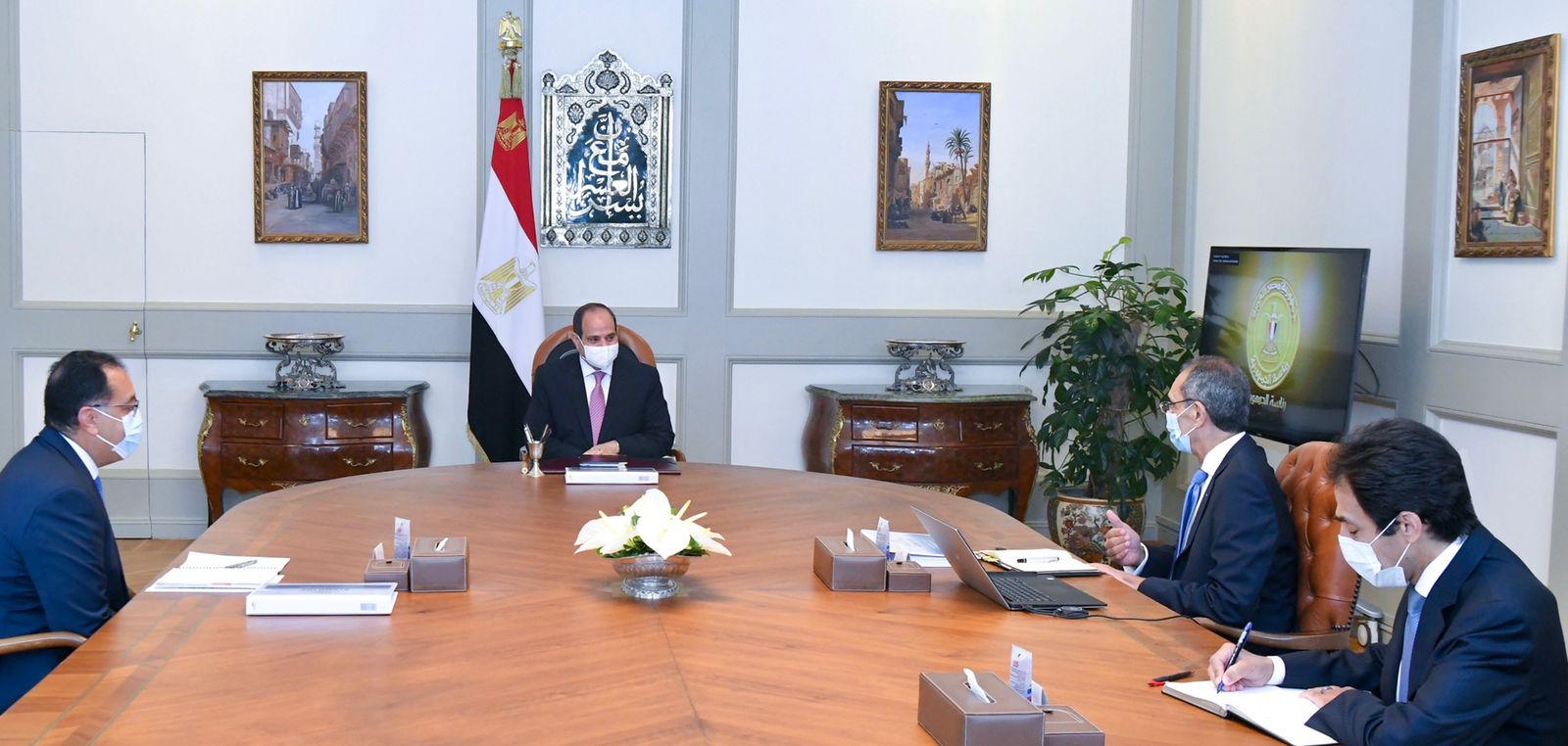 الرئيس السيسي يتابع المشروعات الإستراتيجية الخاصة بقطاع الاتصالات وتكنولوجيا المعلومات