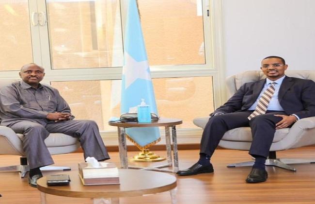 سفير الصومال بالقاهرة يبحث مع نظيره الجيبوتي سبل تعزيز التعاون بين البلدين