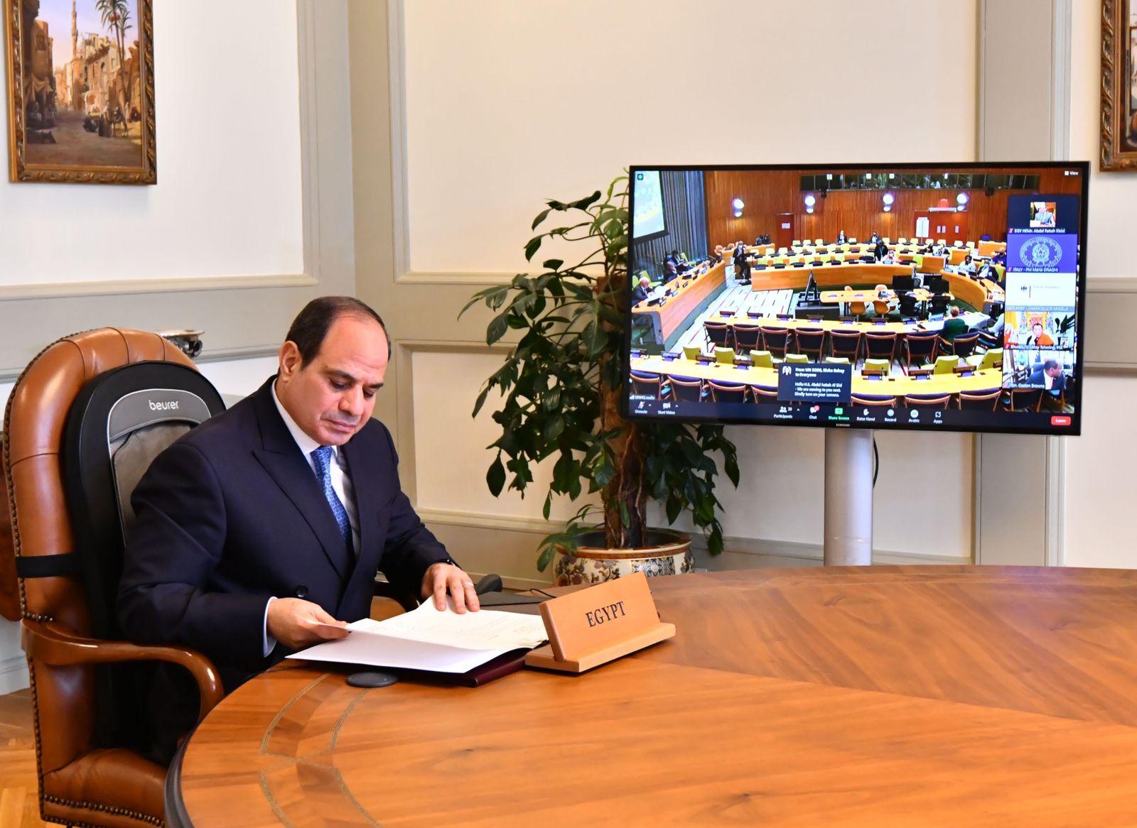 الرئيس السيسي يؤكد أهمية تحمل الدول المتقدمة لمسئولياتها في خفض الانبعاثات
