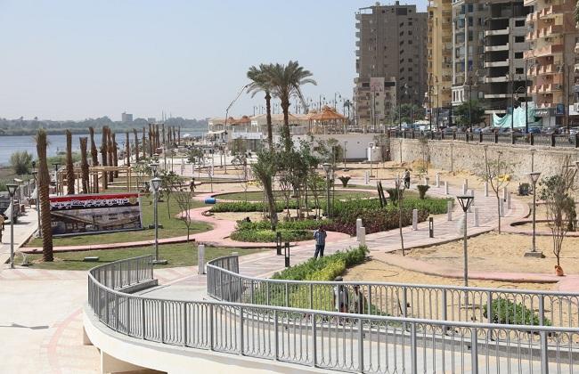 محافظ بني سويف يتفقد الأعمال النهائية لتطوير كورنيش النيل   صور