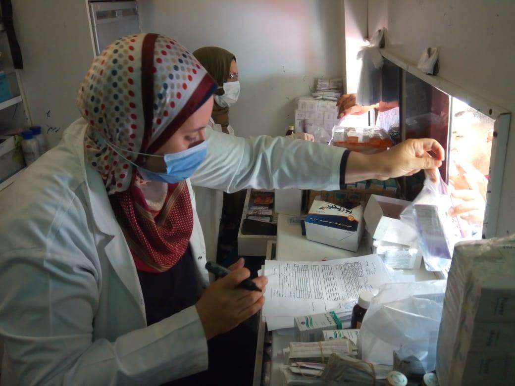الكشف على  مريضًا في قافلة طبية بقرية جزاير عيسى بالبحيرة  صور
