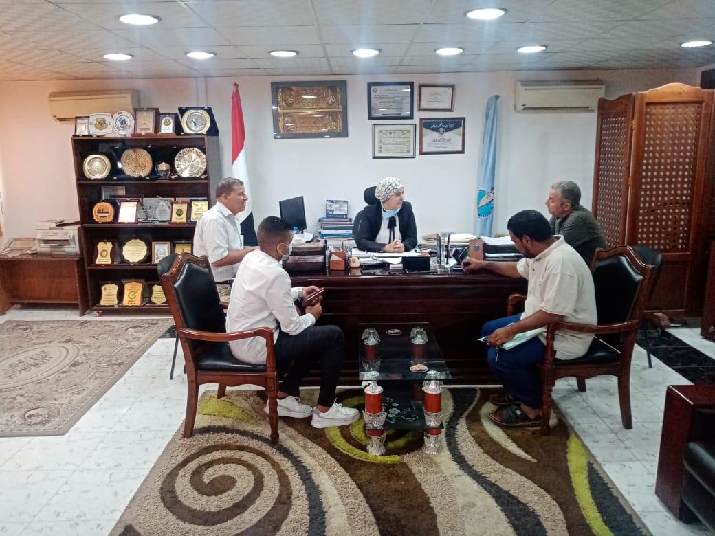 رئيس مدينة سفاجا تناقش إنشاء محطة وقود غاز طبيعي وتوصيله للمنازل| صور