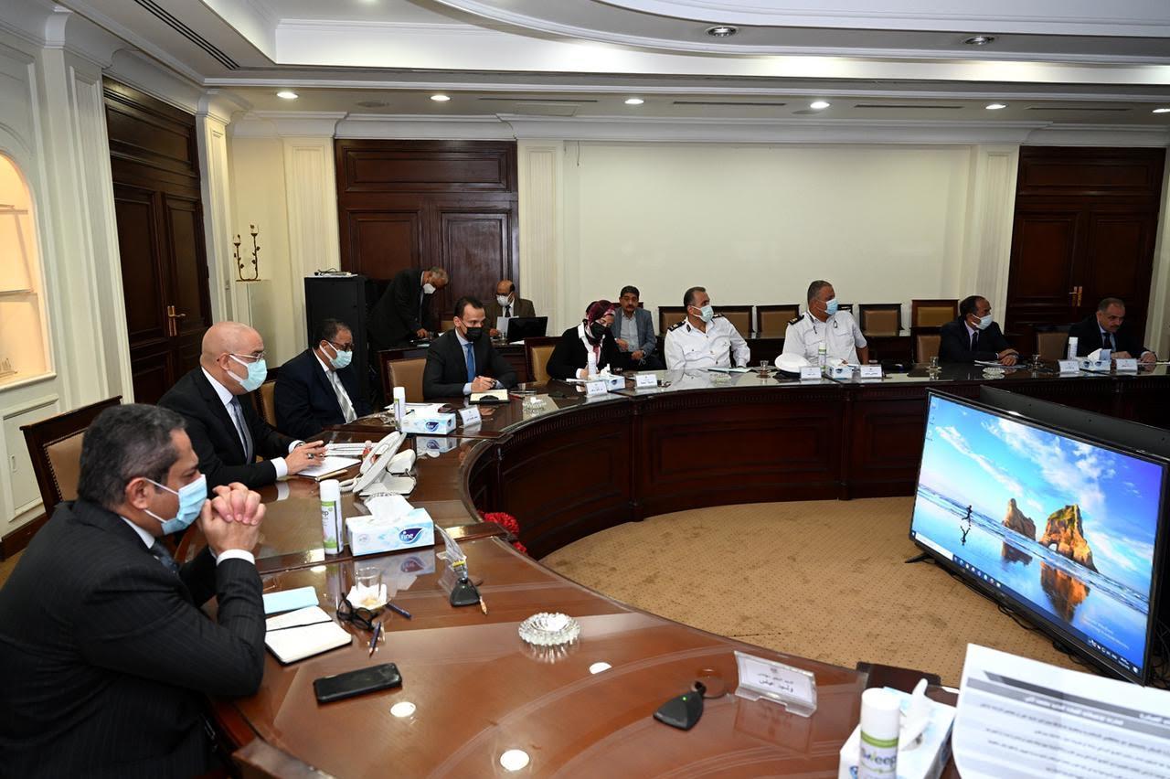 جانب من اجتماع عاصم الجزار، وزير الإسكان والمرافق والمجتمعات العمرانية