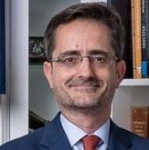 المستشار الثقافي لسفارة إسبانيا  كانديدو كريس