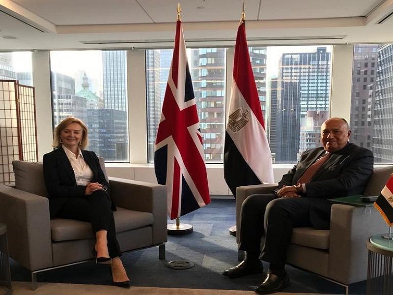 شكري يعقد جلسة مباحثات مع وزيرة الخارجية البريطانية الجديدة بنيويورك  صور