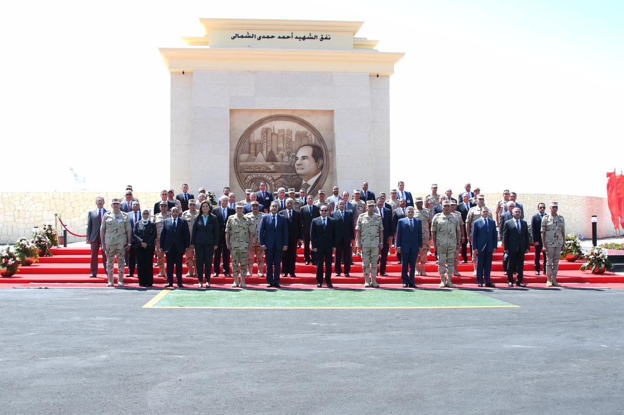 متحدث الرئاسة ينشر صور افتتاح الرئيس السيسي عددا من المشروعات القومية